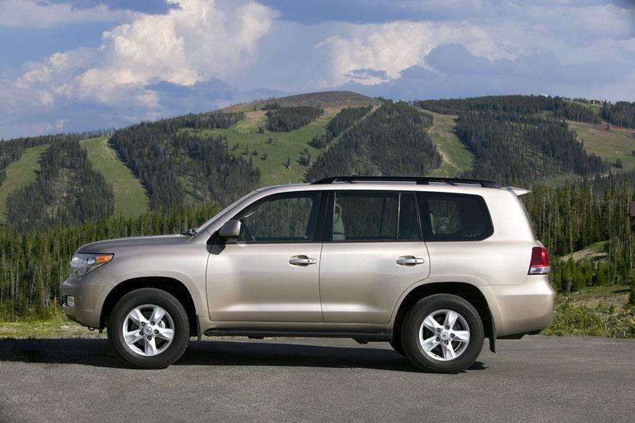 2009 Toyota Land Cruiser Photo 2 of 16