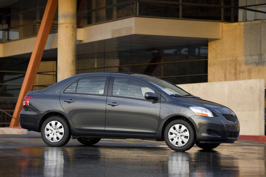 2017 Hyundai Accent Sedan >> 2009 Toyota Yaris Reviews, Specs and Prices | Cars.com