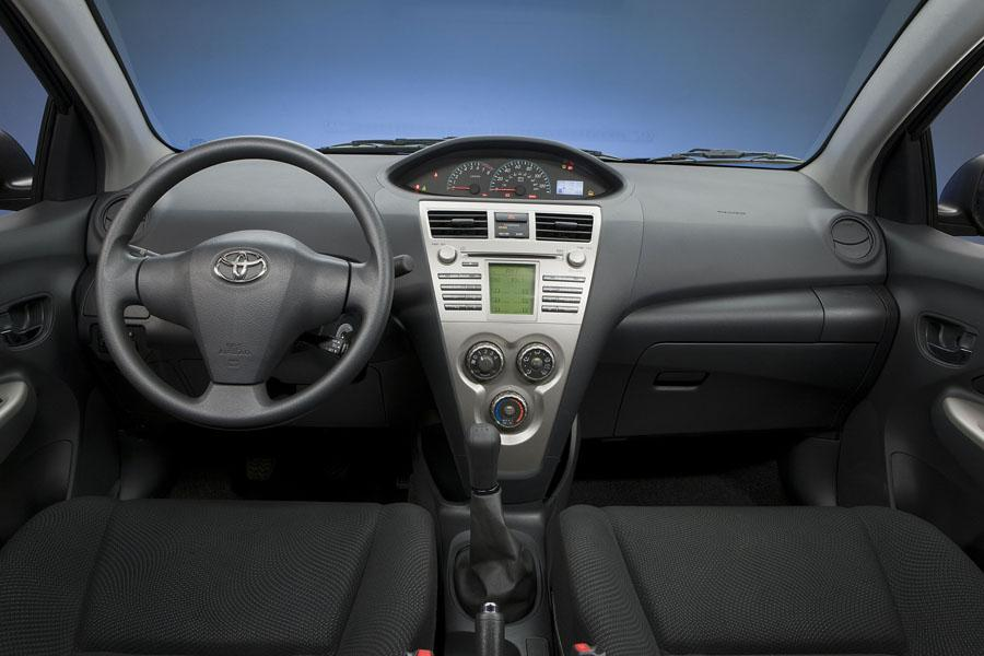 2009 Toyota Yaris Specs Pictures Trims Colors Cars Com