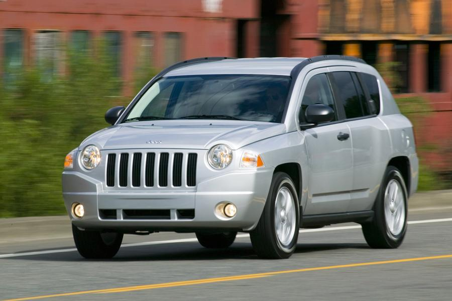 2009 Jeep Compass Photo 2 of 9
