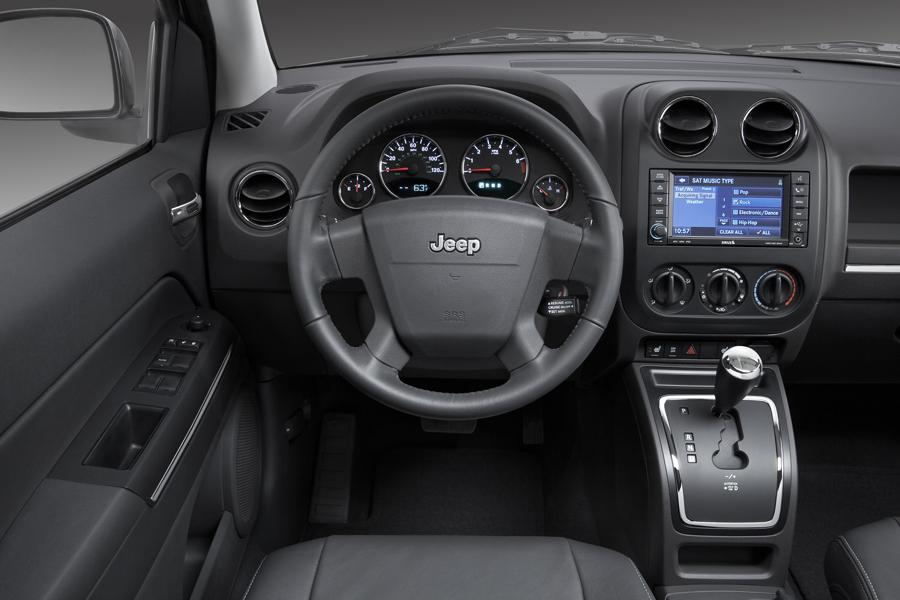 2009 Jeep Compass Photo 5 of 9