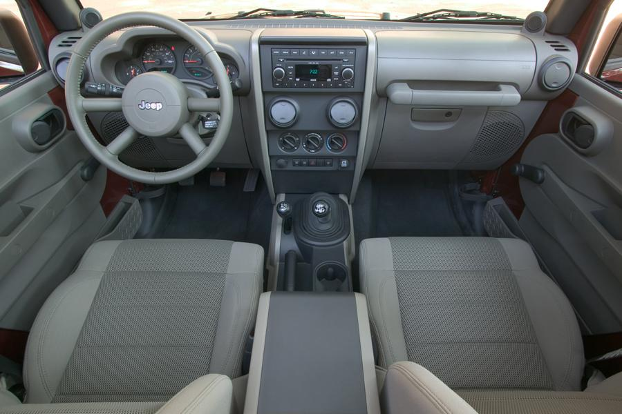 2004 Jeep Liberty Mpg >> 2009 Jeep Wrangler Reviews, Specs and Prices | Cars.com