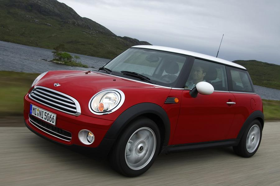 2009 mini cooper reviews specs and prices. Black Bedroom Furniture Sets. Home Design Ideas