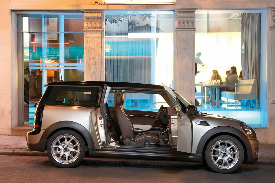2009 MINI Cooper Clubman Photo 2 of 16