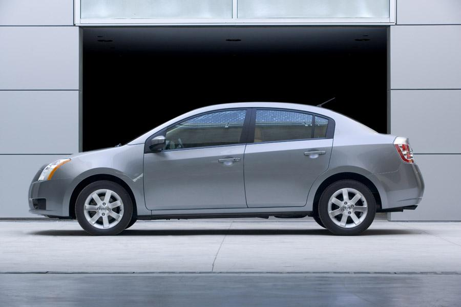 2009 Nissan Sentra Photo 4 of 9