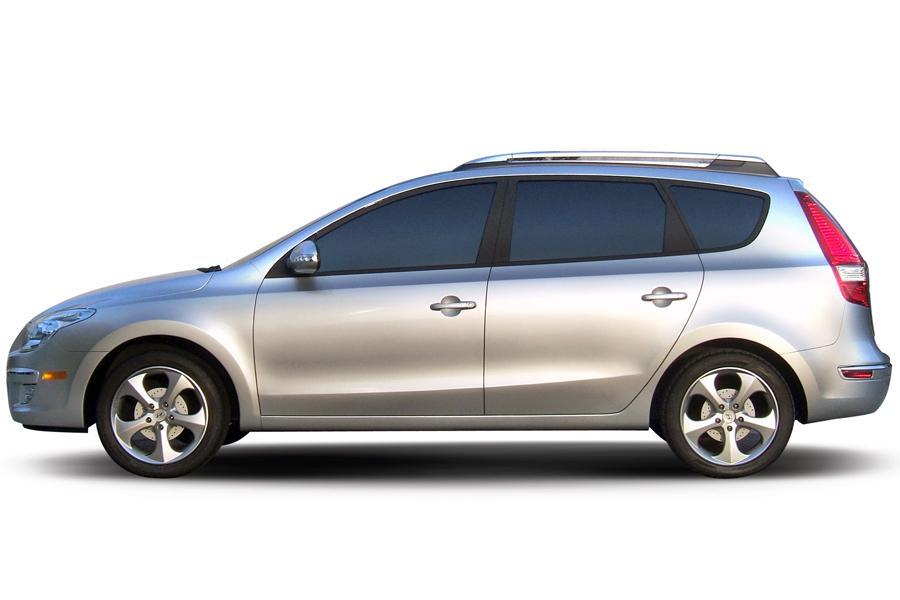 2009 Hyundai Elantra Touring Photo 4 of 18