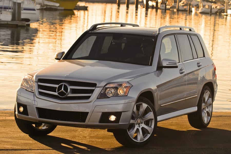2010 mercedes benz glk class overview for Mercedes benz glk350 2010