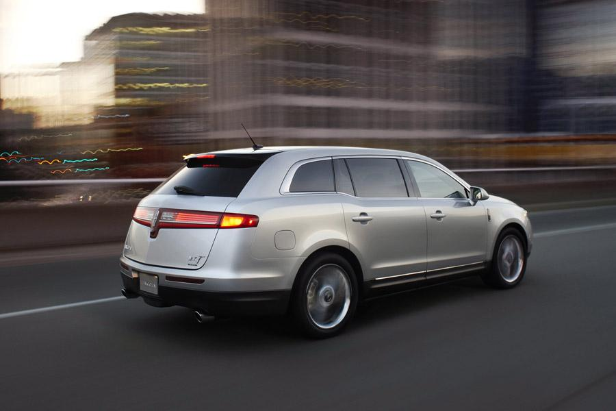 2010 Lincoln MKT Photo 4 of 20