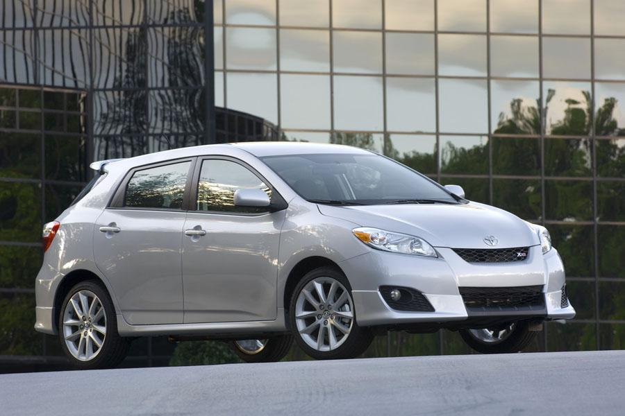 2010 Toyota Matrix Photo 2 of 20