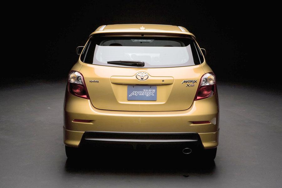 2010 Toyota Matrix Specs Pictures Trims Colors Cars Com