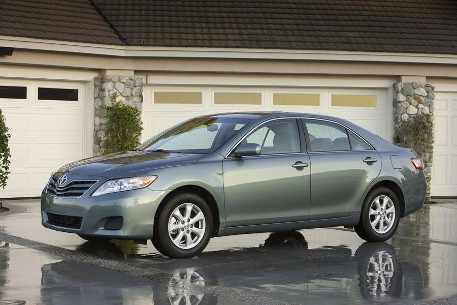 2010 Toyota Camry Photo 1 of 15