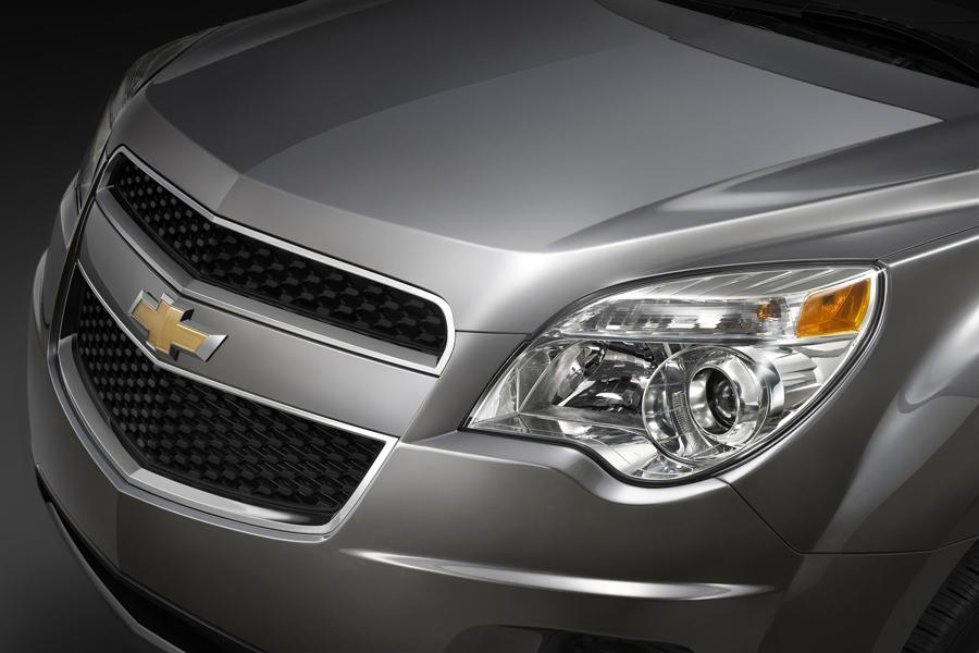 2010 Chevrolet Equinox Photo 3 of 14