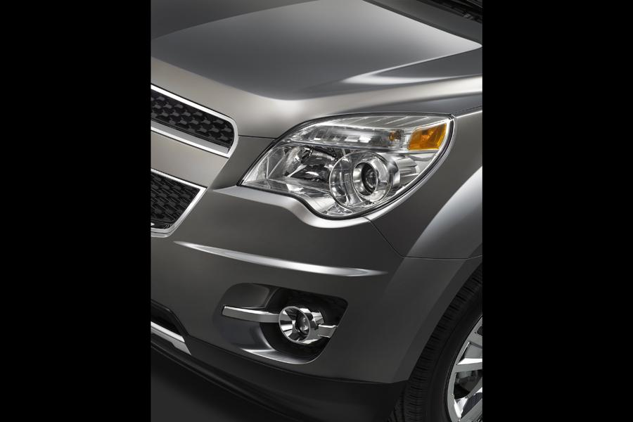 2010 Chevrolet Equinox Photo 4 of 14