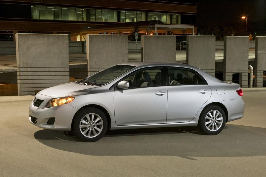2017 Toyota Corolla Mpg >> 2010 Toyota Corolla Reviews, Specs and Prices | Cars.com