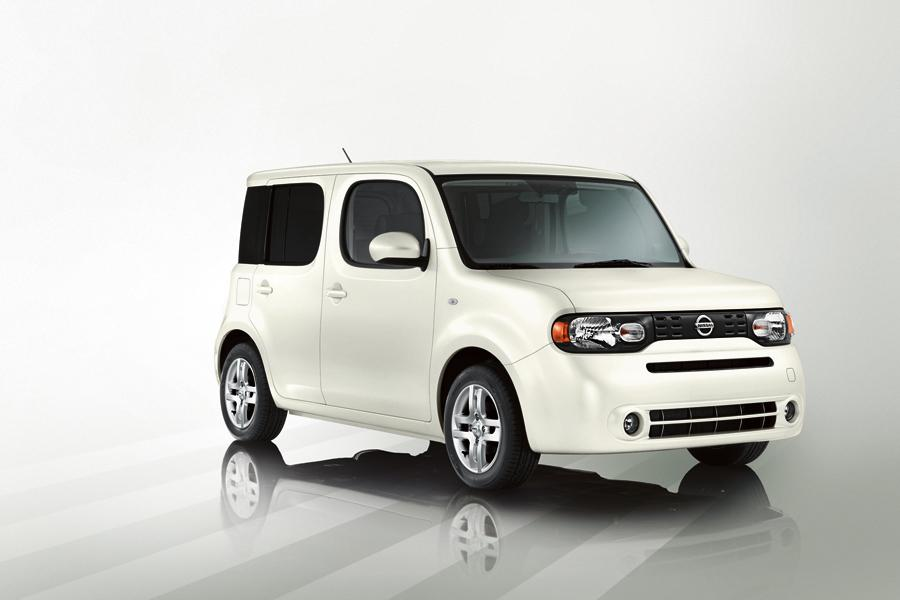 2009 Nissan Cube Photo 2 of 21