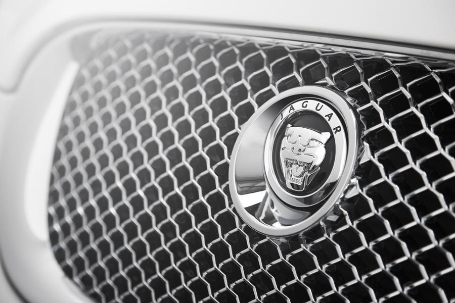 2010 Jaguar XF Photo 4 of 20