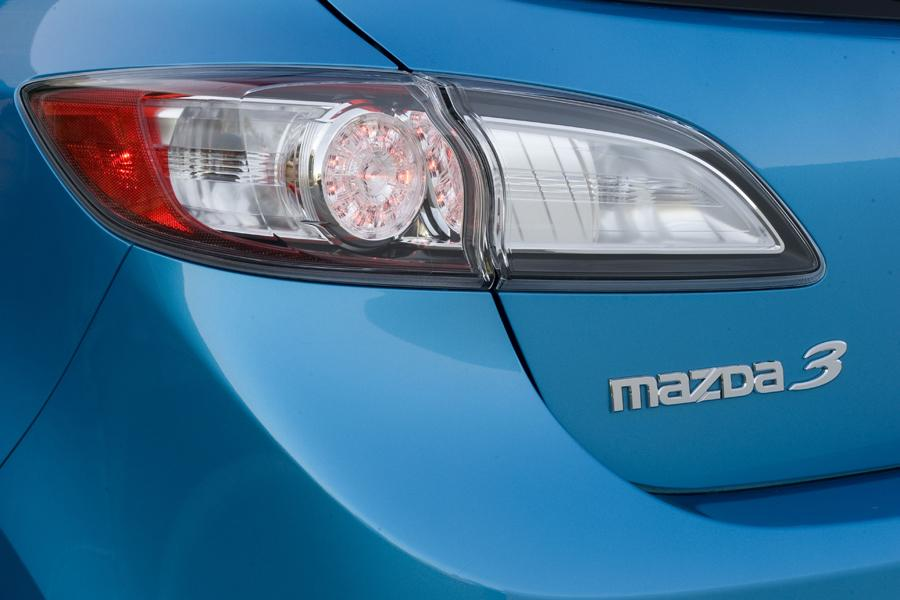 2010 Mazda Mazda3 Photo 2 of 20
