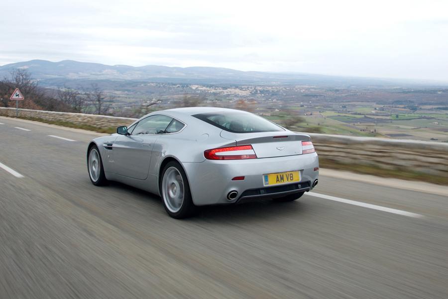 2009 Aston Martin V8 Vantage Photo 4 of 6
