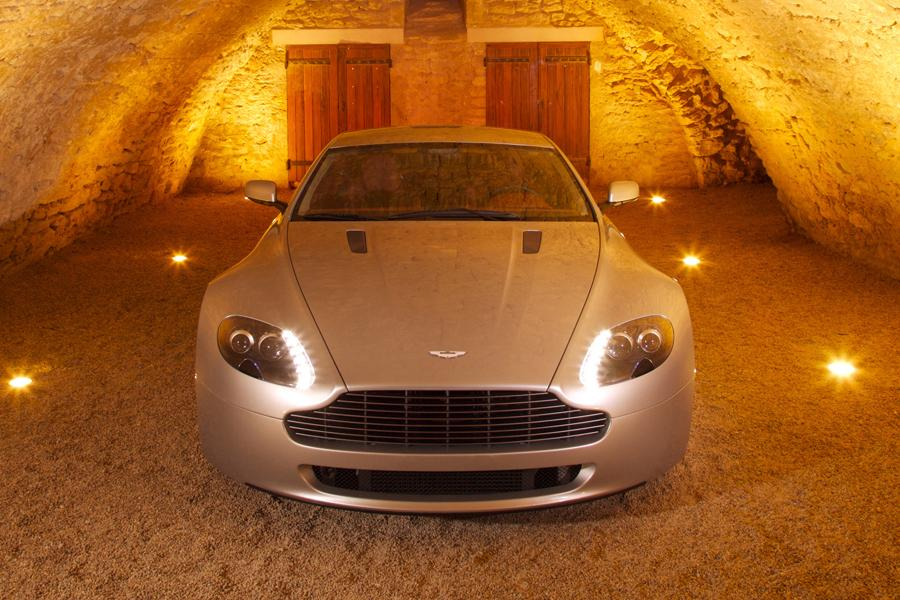 2009 Aston Martin V8 Vantage Photo 5 of 6