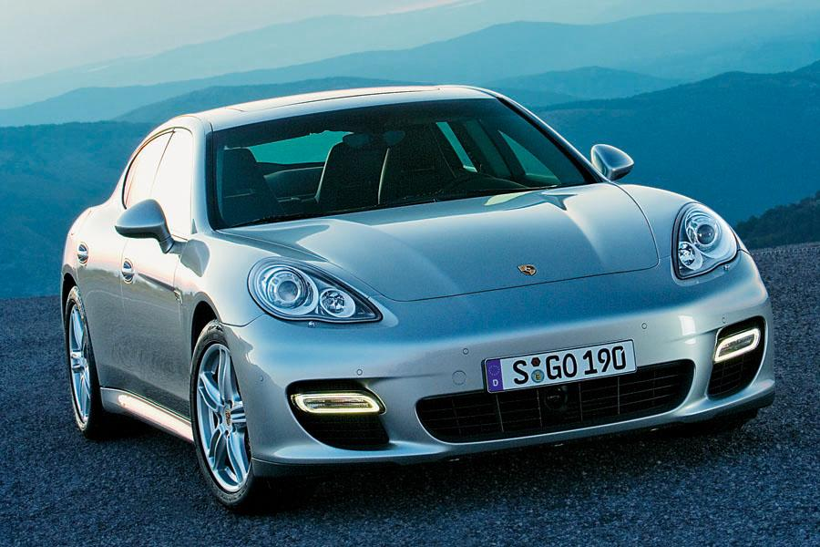 2010 Porsche Panamera Photo 3 of 26