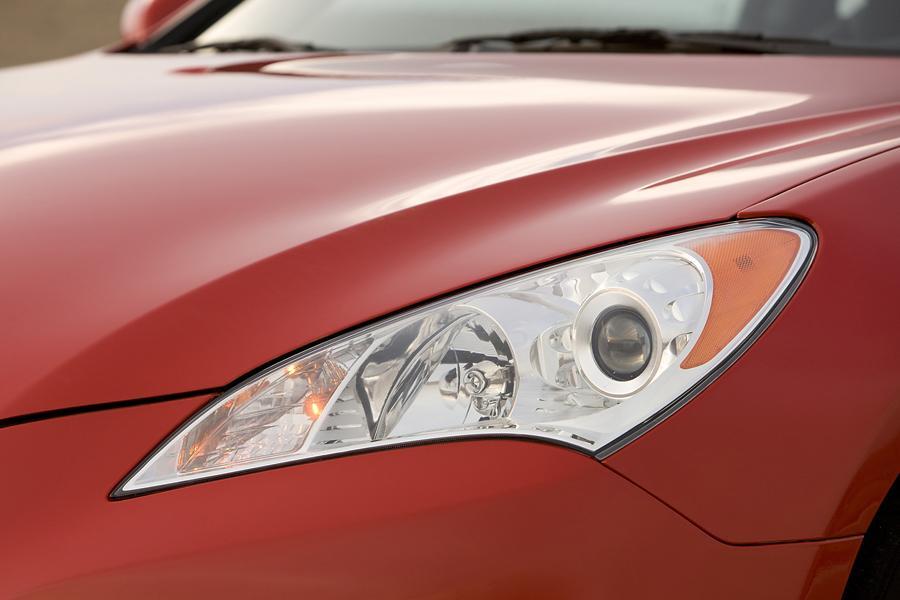 2010 Hyundai Genesis Coupe Photo 4 of 24