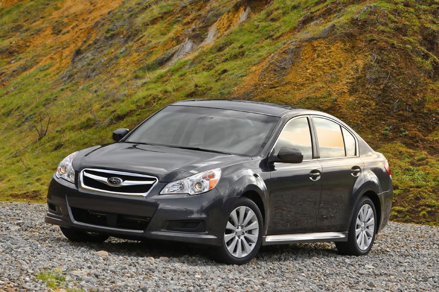 2010 Subaru Legacy Photo 4 of 17