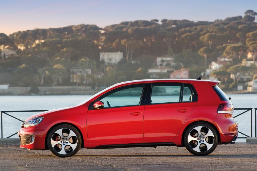 2010 Volkswagen GTI Photo 2 of 14