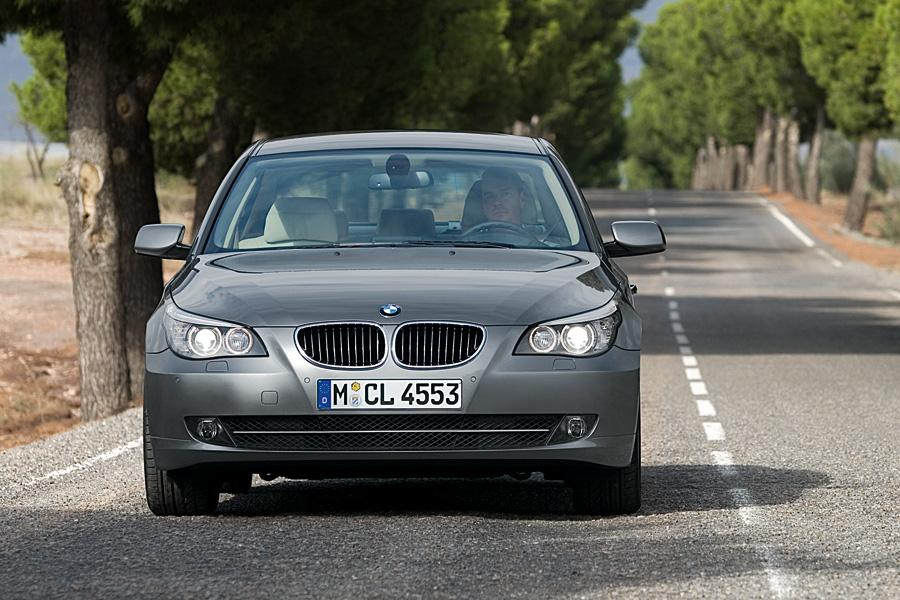 2010 BMW 550 Photo 2 of 21