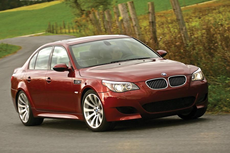 2010 BMW M5 Photo 2 of 20