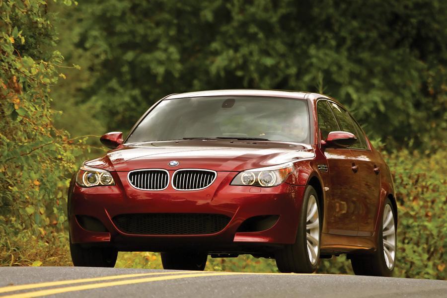 2010 BMW M5 Photo 3 of 20