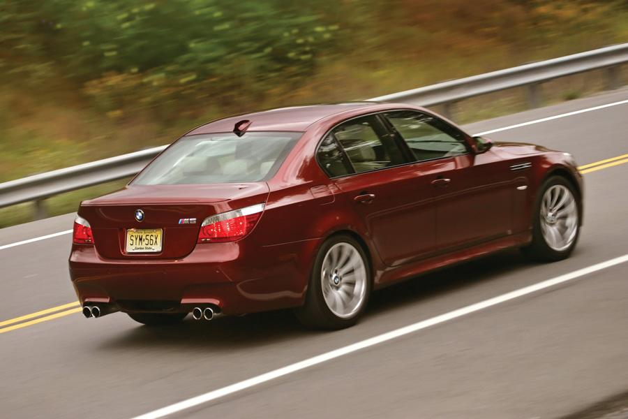 2010 bmw m5 reviews specs and prices. Black Bedroom Furniture Sets. Home Design Ideas