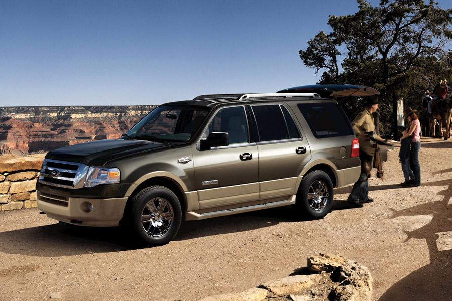2010 Ford Expedition EL Photo 2 of 3