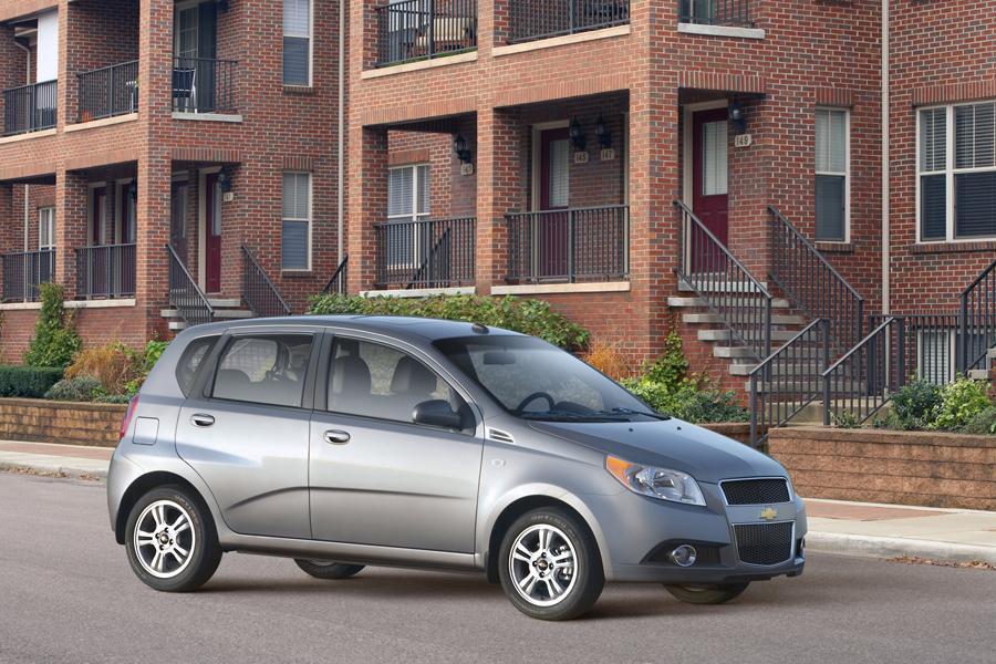 2010 Chevrolet Aveo Photo 4 of 22