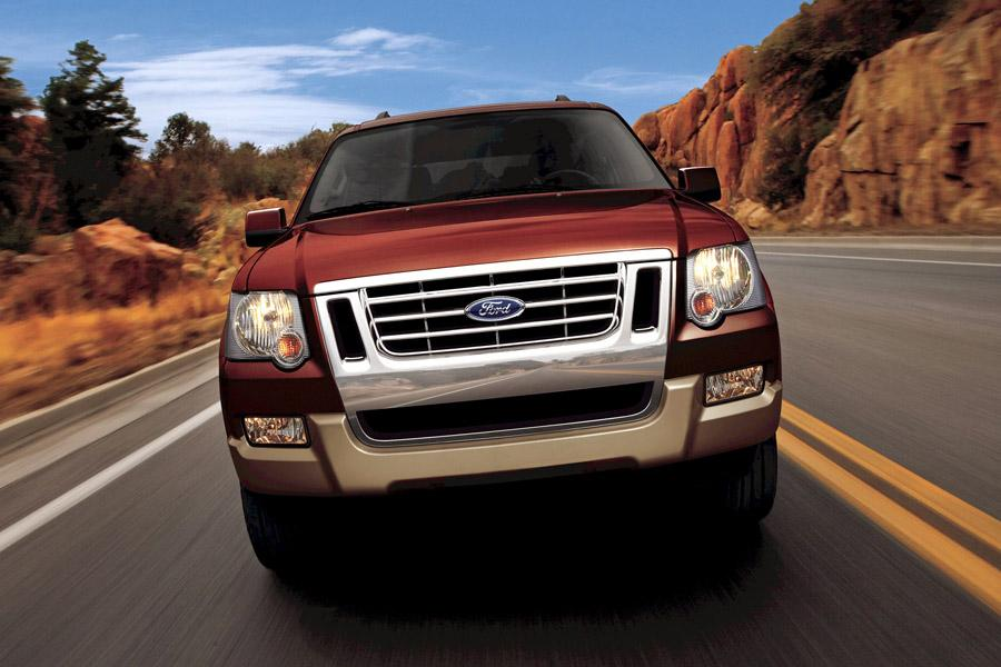 2010 Ford Explorer Photo 2 of 10