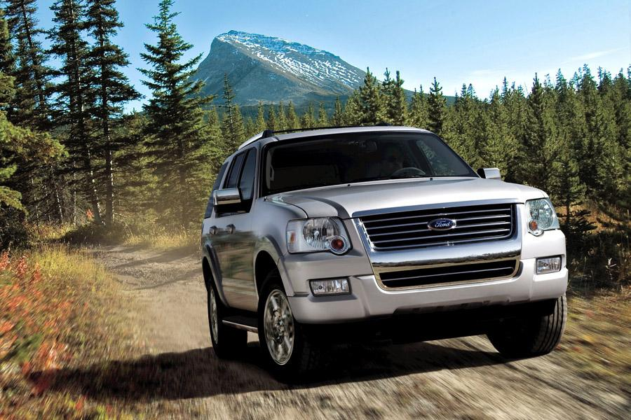 2010 Ford Explorer Photo 4 of 10