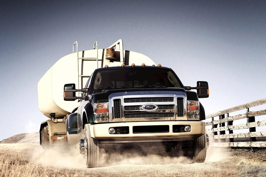 2010 Ford F-450 Photo 2 of 7