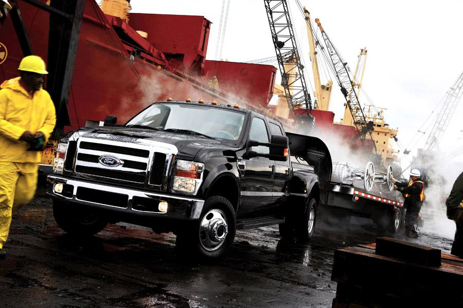 2010 Ford F-450 Photo 4 of 7