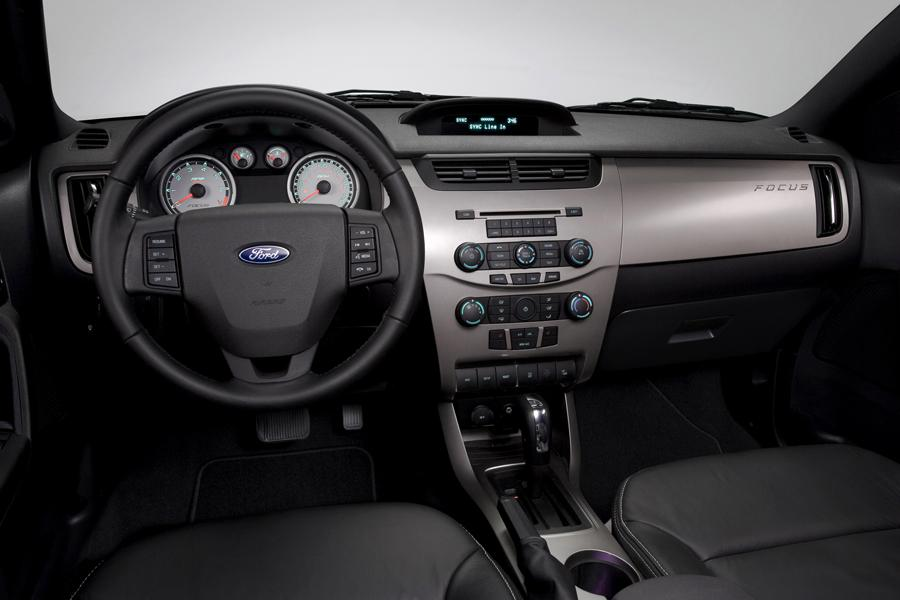 2010 ford focus reviews specs and prices. Black Bedroom Furniture Sets. Home Design Ideas