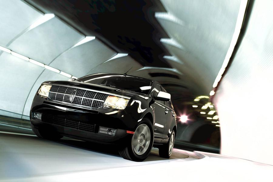 2010 Lincoln MKX Photo 2 of 9