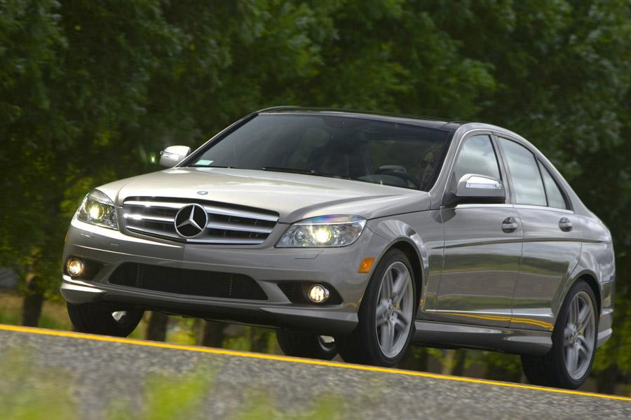 2010 mercedes benz c class overview for Mercedes benz 2010 c class