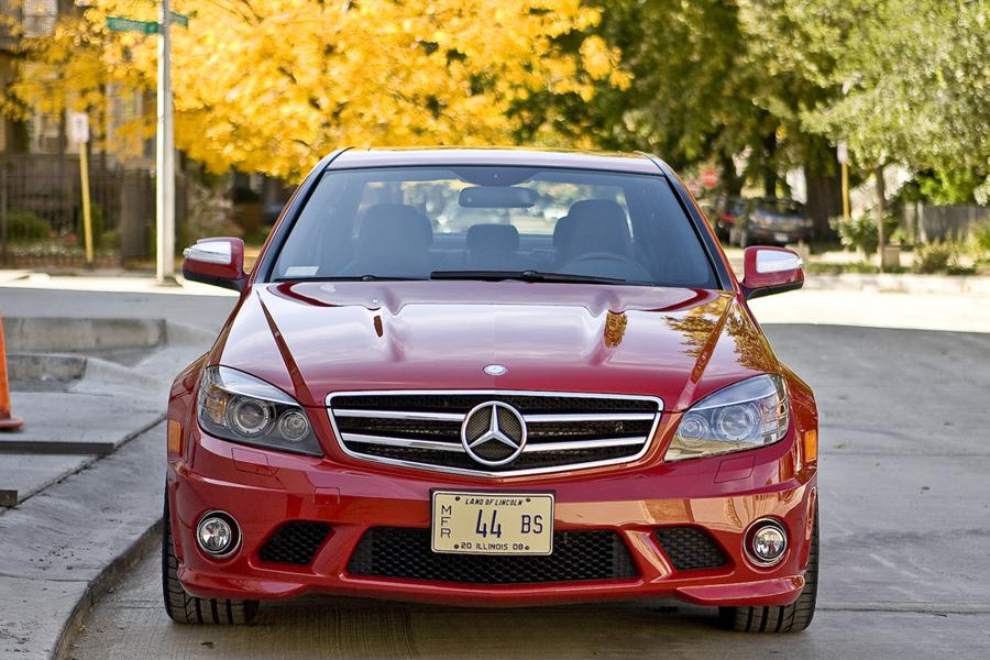 2010 Mercedes-Benz C-Class Photo 2 of 27
