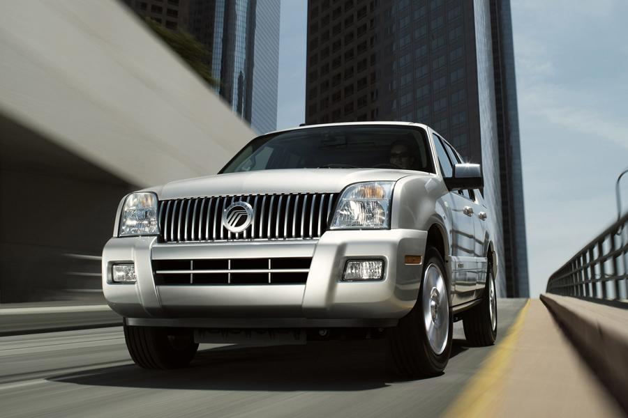 2010 Mercury Mountaineer Photo 2 of 7