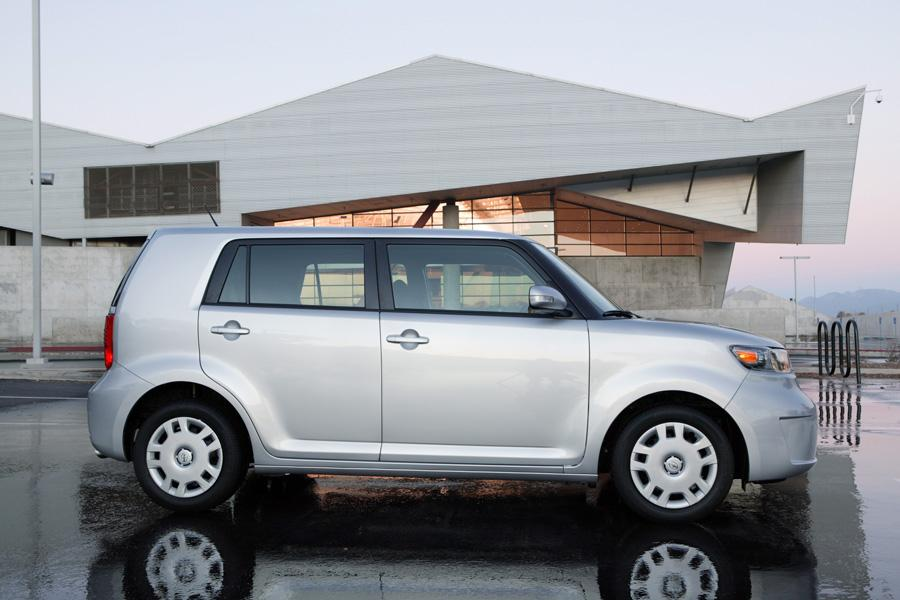 2010 Scion xB Photo 3 of 20