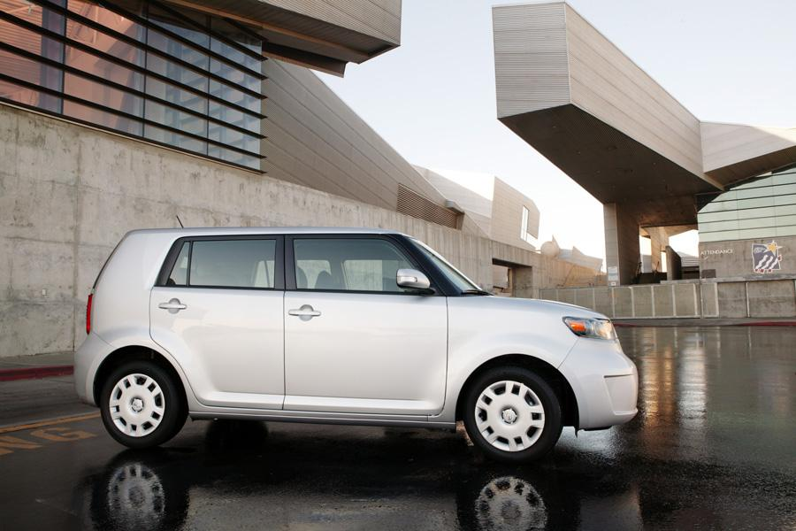2010 Scion xB Photo 5 of 20