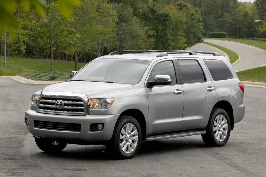 2010 Toyota Sequoia Photo 1 of 13