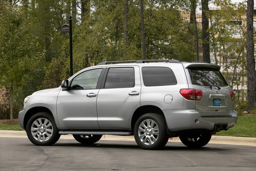 2010 Toyota Sequoia Photo 2 of 13