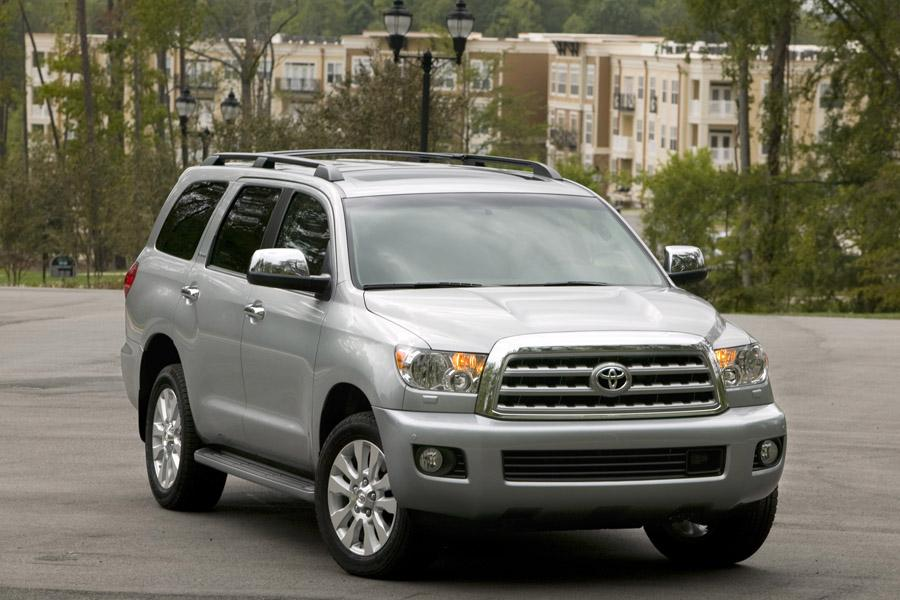 2010 Toyota Sequoia Photo 3 of 13