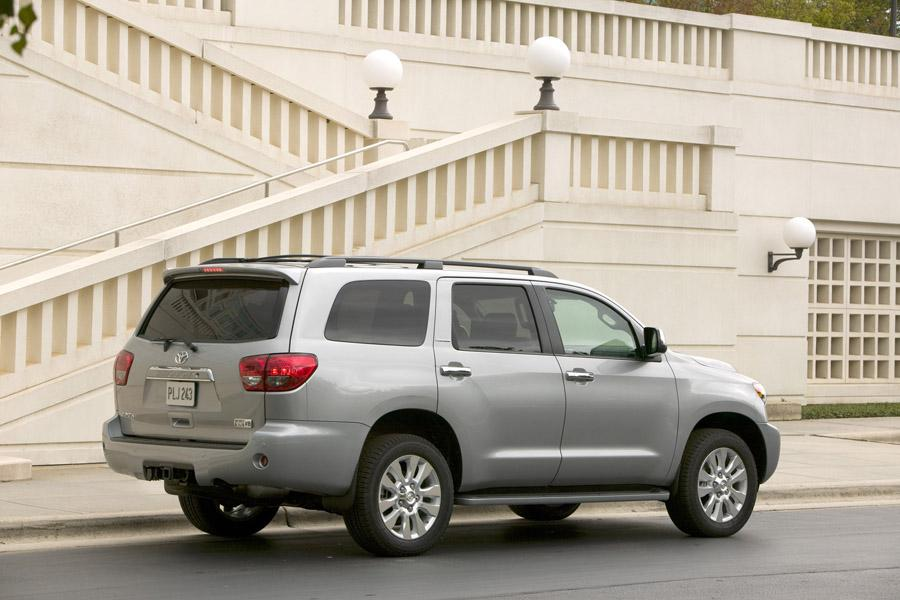 2010 Toyota Sequoia Photo 4 of 13