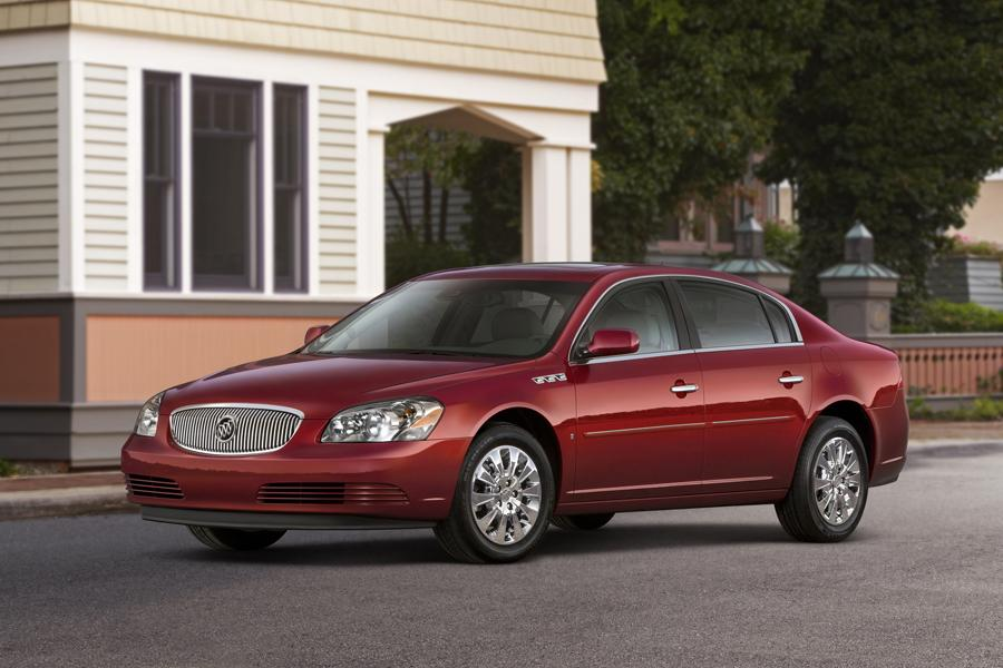 2010 Buick Lucerne Photo 2 of 12
