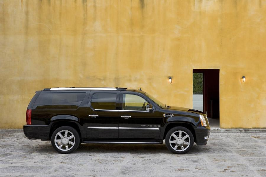 2010 Cadillac Escalade ESV Photo 2 of 7